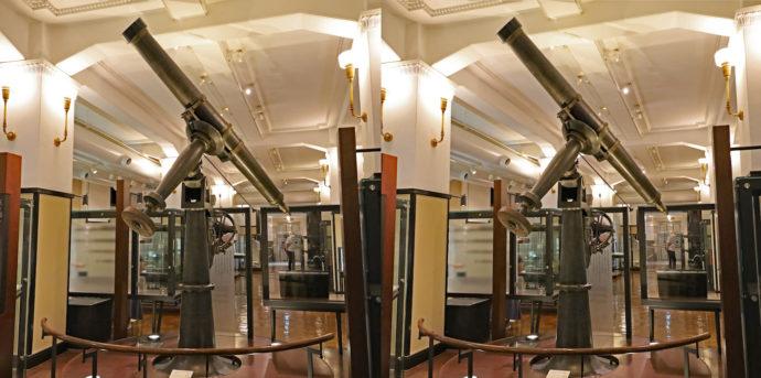 トロートン天体望遠鏡(トロートン・アンド・システム社製、口径20cm、重要文化財)